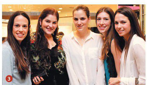 3 Isabella Cull, María Elene Valdés, Patricia Casanova, Emilia Lagorio y María Eugenia Machado.