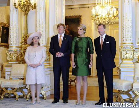 Máxima de Holanda y Guillermo Alejandro junto a la Gran Duquesa María Teresa y el Gran Duque de Luxemburgo, Henri.